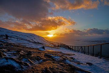 Winterse zonsondergang Fjellheisen van PhotoJoy