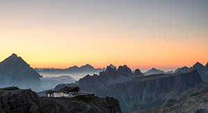 Het eerste licht in de Dolomieten van