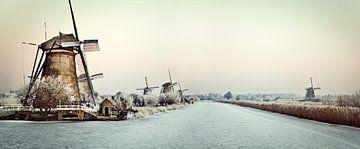 Molens bij Kinderdijk in de winter van Frans Lemmens