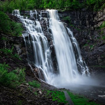 Waterval in Noorwegen van Jayzon Photo