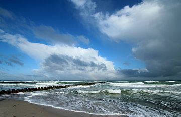 Stürmisches Meer von Heike Hultsch