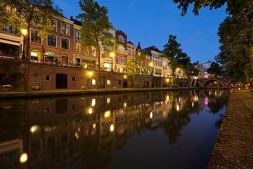 Oudegracht in Utrecht tussen de Zandbrug en de Jacobibrug van Donker Utrecht