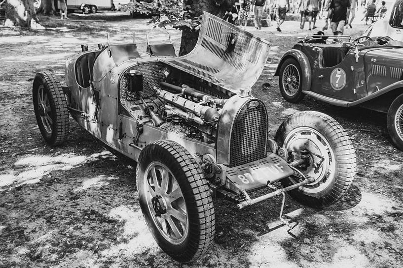 Bugatti Type 35 vintage racewagen in zwart en wit van Sjoerd van der Wal
