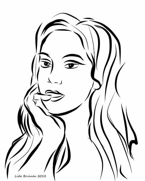Portret van een vrouw op witte achtergrond van Lida Bruinen