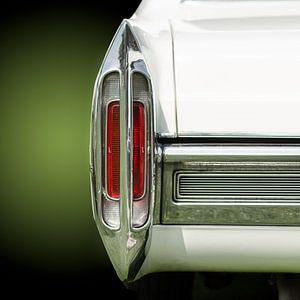 Achterlicht van een amerikaanse retro auto uit de jaren vijftig