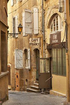 Cafe de France, Auch, Midi-Pyrenäen. von David Bleeker