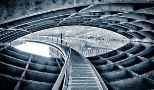 Pad onder brug
