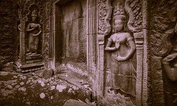 Apsara dancers, Ta Prohm, Cambodia van Robert van Hall