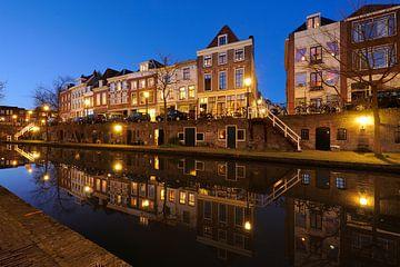 Oudegracht in Utrecht tussen de Zandbrug en de Jacobibrug van
