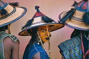 Wüste Sahara. Männer des Wodaabe-Stammes beim Geerewol-Festival versöhnt.