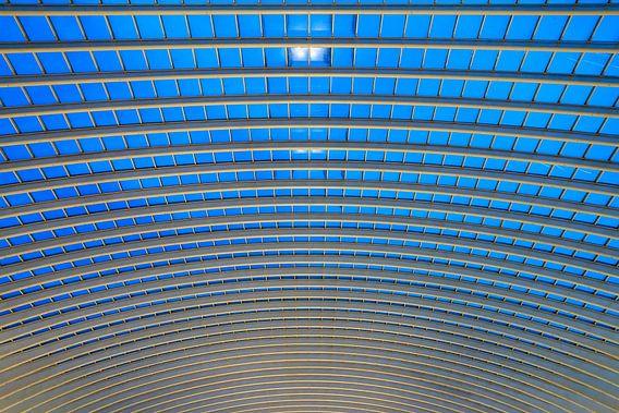 Blauwe abstracte architectuur in Luik