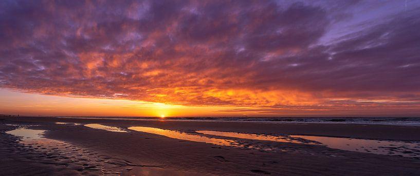 Bunter Sonnenuntergang von Peter Sneijders