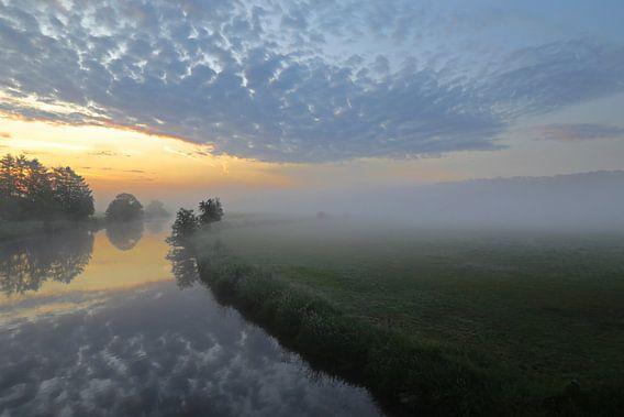 Mist tussen de wolken