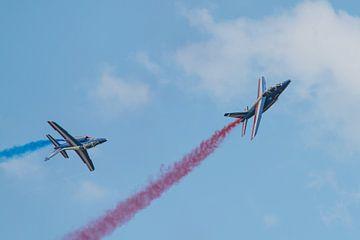 2 Alpha jets van Patrouille de France van Wim Stolwerk