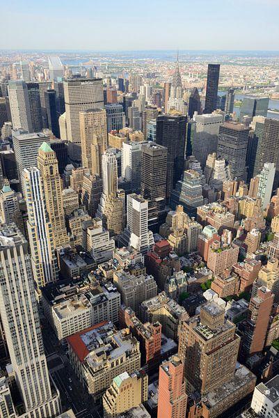 Uitzicht vanaf Empire State Building over Manhattan New York met Chrysler Building