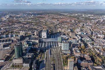 Omgeving van het vernieuwde Utrecht Centraal Station vanuit de lucht gefotografeerd.