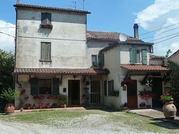 Romantisch huis Italië van Dionijsius Horik