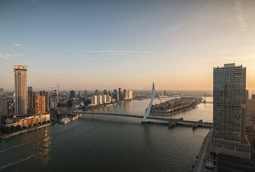 Early morning in Rotterdam van Ilya Korzelius