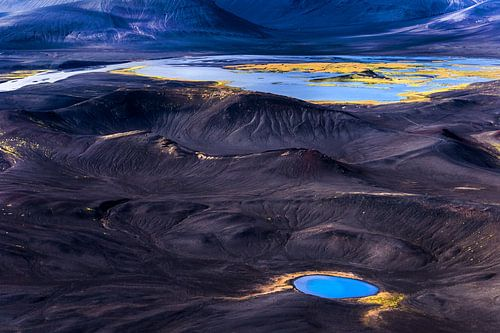 Volcanic landscape (Iceland) van Lukas Gawenda