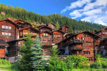 Huizen in Grimentz in de zomer von Dennis van de Water