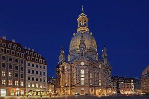 Dresden Frauenkirche op het blauwe uur
