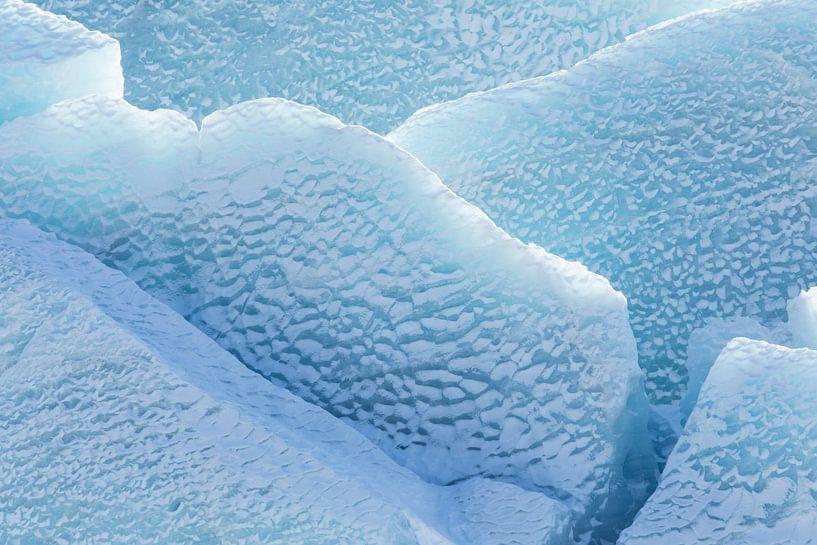 Detail gletsjer Svínafellsjökull van Karla Leeftink
