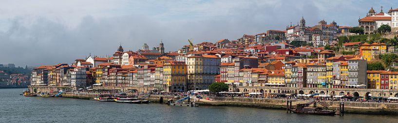 Das Stadtbild von Porto in Portugal von Atelier Liesjes
