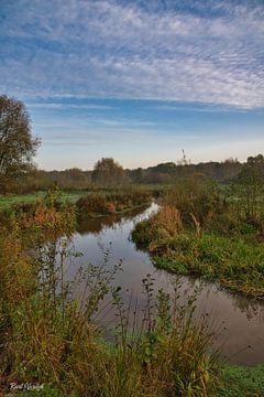 Rustgevend riviertje in Brabant van Bart Verdijk
