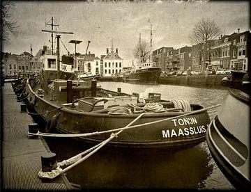 Sleepboot Tonijn Maassluis haven van Fons Bitter