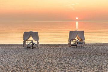 Daybeds am Hamptons Strand von Scharbeutz an der Ostsee von Voss Fine Art Photography