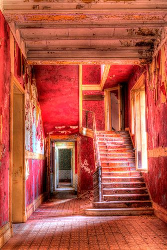 HDR Chateau Rouge van