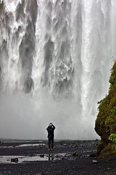 Onderkant Skógafoss waterval te IJsland