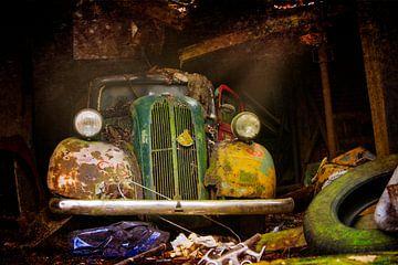 Alter, baufälliger Ford Anglia von jan boonstra