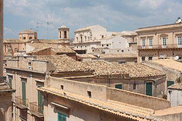 Kerk, huizen, daken, oude stad, Noto, Sicilië van Torsten Krüger