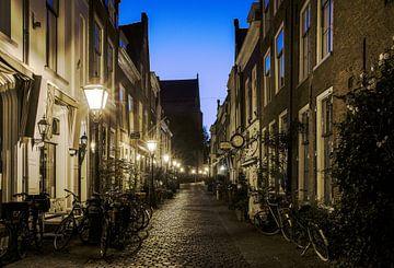 Fietssteeg in Leiden sur Dirk van Egmond
