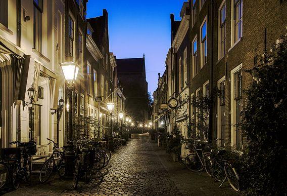 Fietssteeg in Leiden van Dirk van Egmond