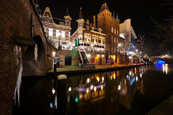 De Oudegracht in Utrecht tussen de Jansbrug en de Viebrug
