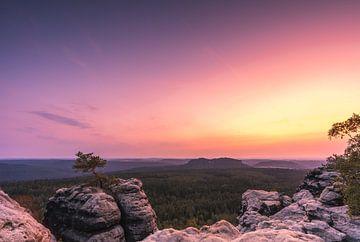 Sonnenuntergang im Elbsandsteingebirge von Christian Klös