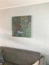 Klantfoto: Boerderijtuin met zonnebloemen, Gustav Klimt, op aluminium