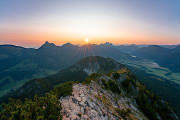Zonsondergang vanaf de Einstein in het Tannheimer dal van Leo Schindzielorz