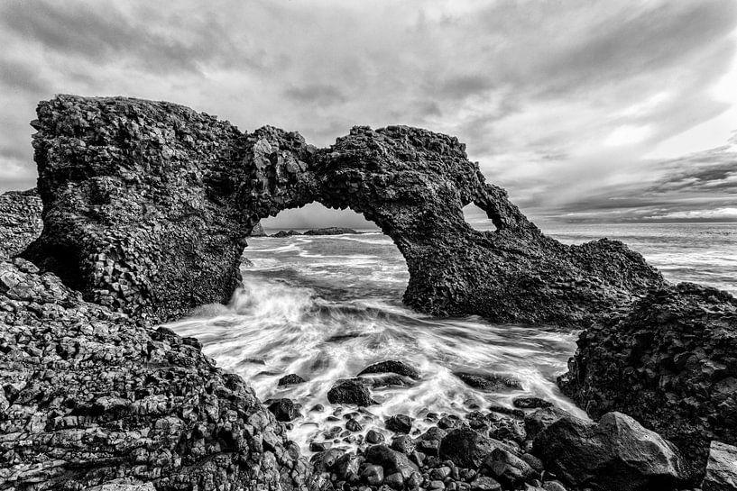 Zeeboog Gatklettur IJsland van Stephan van Krimpen