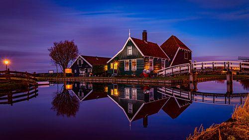 Zaanse Schans House reflection