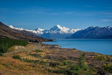 Schitterende panorama foto van Mount Cook en de weg naar Mount Cook van Original Mostert Photography