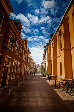 Bagijnestraat in Leeuwarden met uitzicht op de Oldehove van Geert Jan Kroon