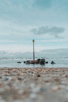 Strandmarkierung und Felsen von Jonai