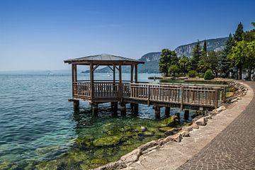 GARDASEE Uferpromenade von Garda  von Melanie Viola
