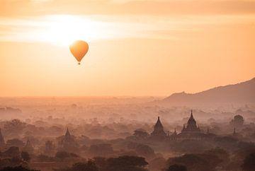 LP 71318978 Blick auf Heißluftballon und Tempel in Bagan (Pagan), Region Mandalay, Myanmar (Burma),  von BeeldigBeeld Food & Lifestyle