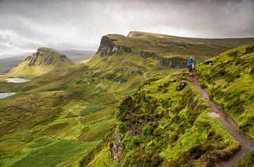 Hiken op het eiland Skye, Quiraing, Isle of Skye, Schotland van Sebastian Rollé - travel, nature & landscape photography