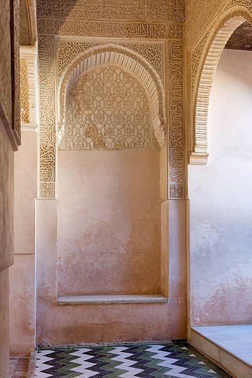 Façade of Comares Palace van Wendy Bos