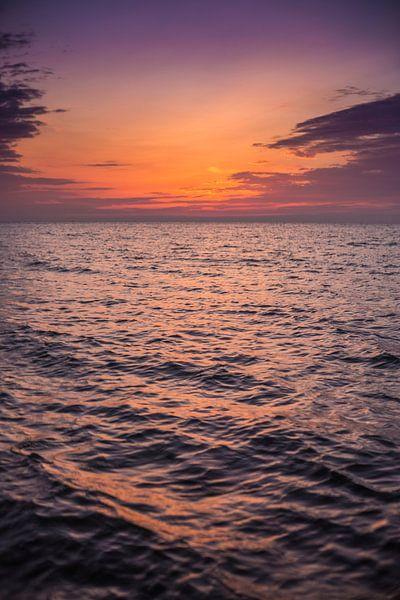 Noordzee zonsondergang van Andy Troy